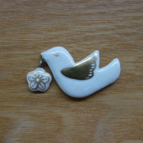 花喰い鳥(帯留・ブローチ)