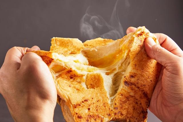 【10/22(金)~10/27㈬ 受付】【10/29㈮~10/31㈰までに発送】ゴロゴロなフロマージュ(チーズの高級食パン)