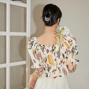 Special Select NH -キラキラストーン付き花柄ショート丈ブラウス  LNH21275