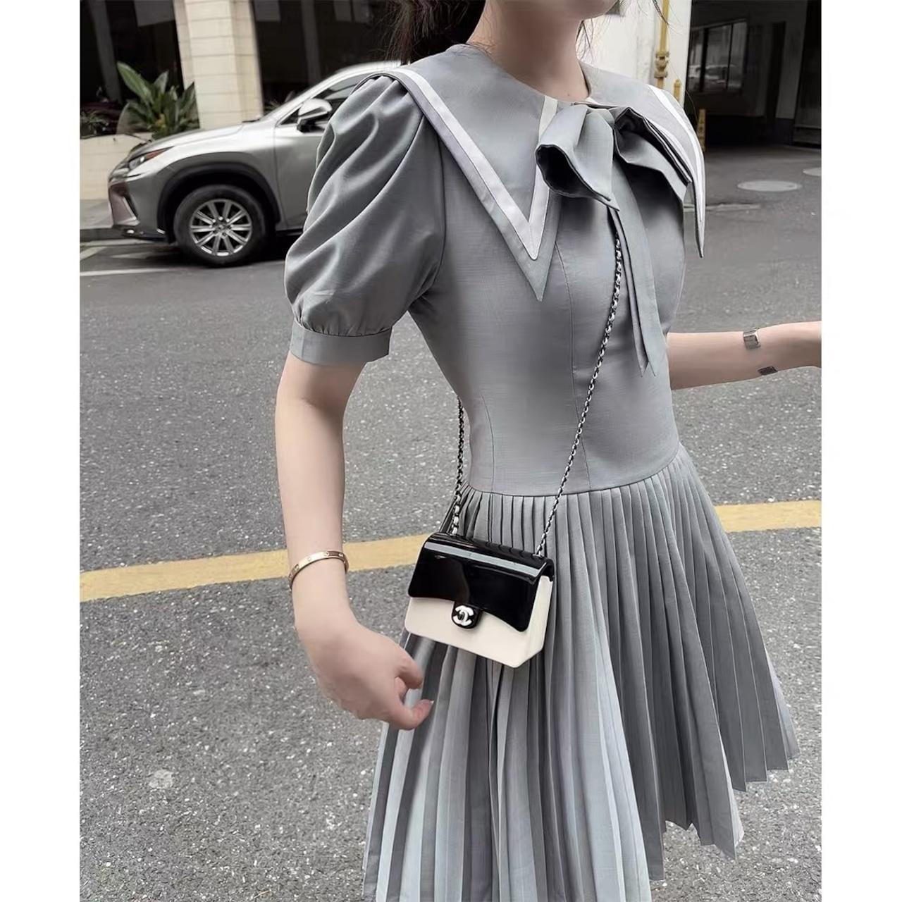 puff sleeve gray dress