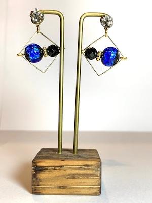 【JEENAR】ホタルガラス オニキスピアス/チタン(PRH-105/G )