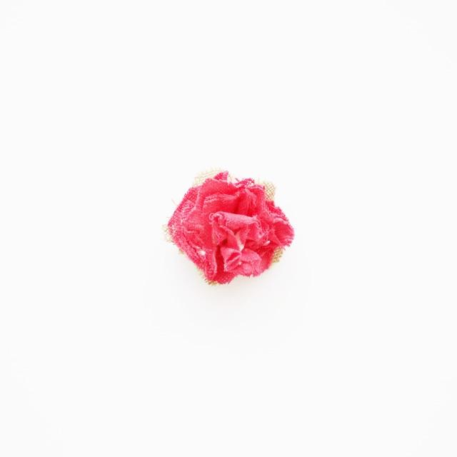 麻のコサージュ〈Sakira small〉Red