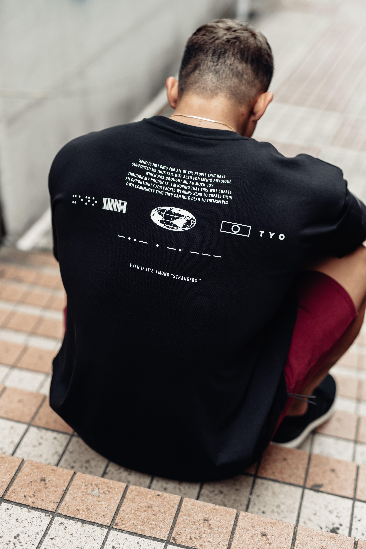 XENO UNIVERSAL CONCEPT T-shirt BlackWhite