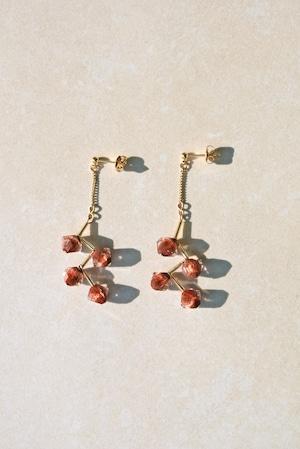ピアス: 70年代ガラスビーズ[茜色] 「木苺のサバラン」