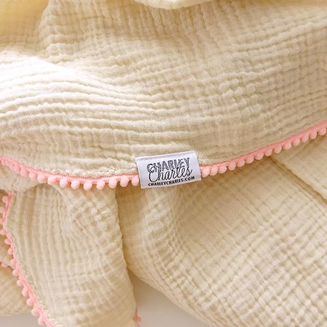 ポンポンスワドルブランケット [pink beige]