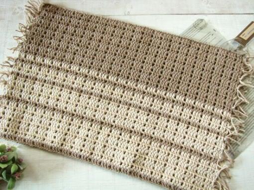 手編みのマット/sakura