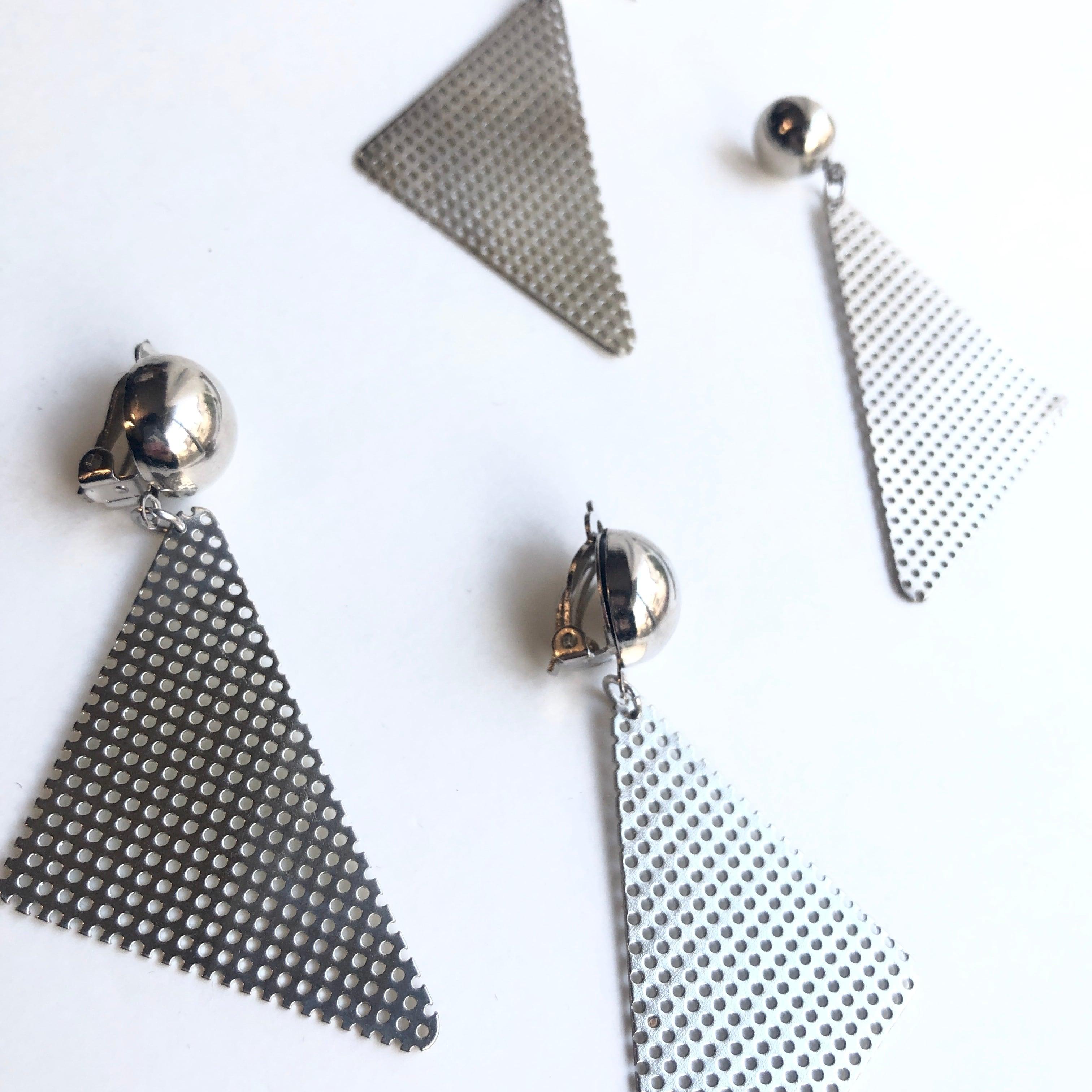 Silver mesh triangle earrings S-001