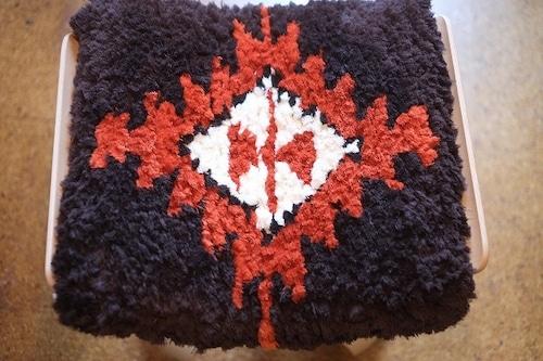 【佐藤隘子さんのノッティング】 ー手織りの椅子敷きー   ◆入荷いたしました◆70.