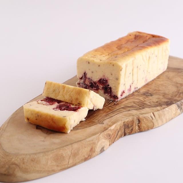【季節限定】香り立つチーズケーキ さくら香る苺とベリー