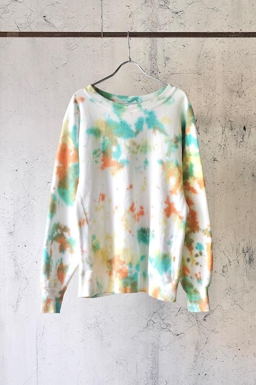 multicolored sweat shirt