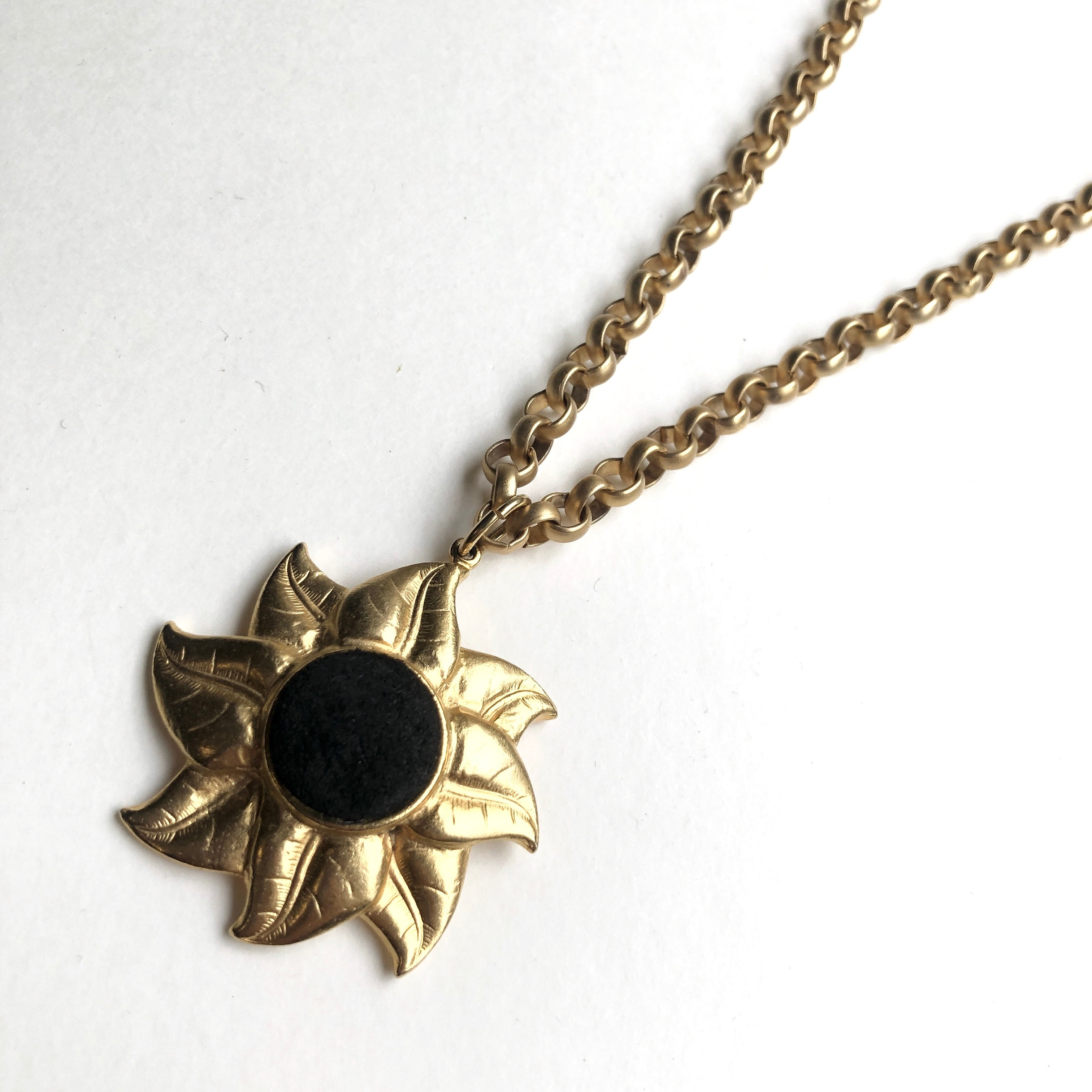 Sunny flower vintage Necklace NC-027x