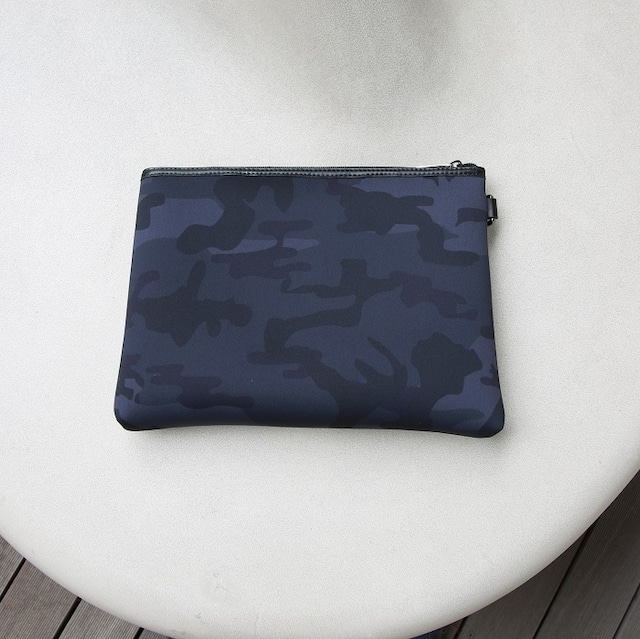 Black normal camouflage clutch