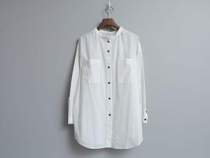 コットンボイル のスタンドカラーオーバーシャツ