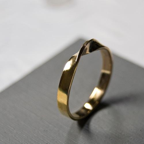 K24GPゴールドワンポイント1/2ツイストリング 3.0mm幅 鏡面 3号~27号|WKS K24GP ONEPOINT 1/2 TWIST RING 3.0 bs mirror|FA-479