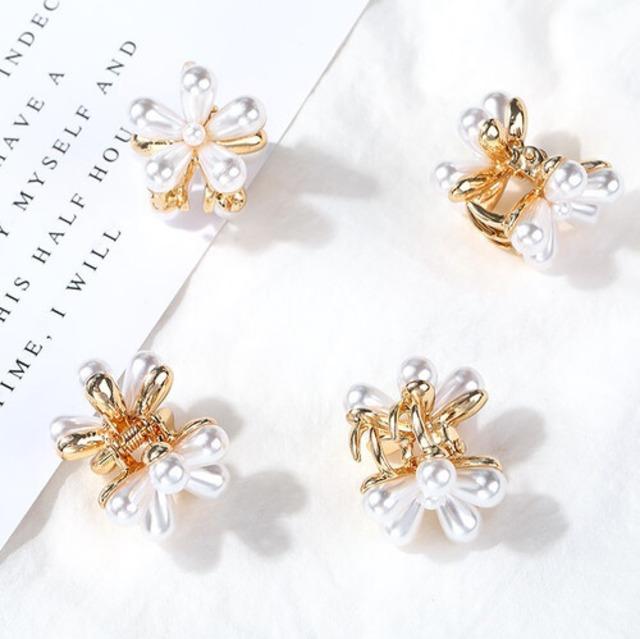 可愛いヘアクリップ花(4個セット)