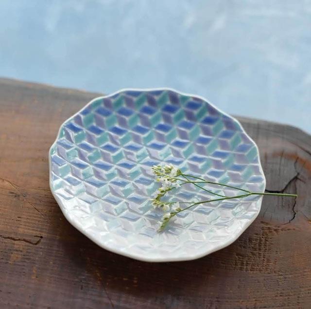 【九谷焼】淡いグラデーションの4寸小皿「紅掛空色」(紺青)