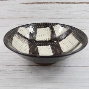 小石原焼 6.5寸鉢 トビカンナ黒格子 鶴見窯