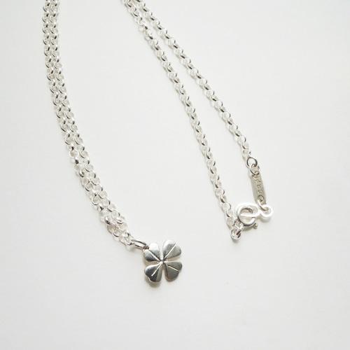 N_005 clover necklace