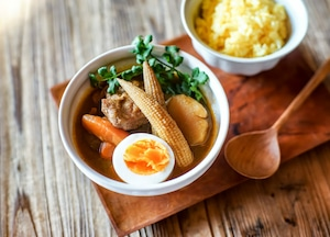 北海道新得地鶏の種鶏肉スープカレー 料理缶 400ℊ
