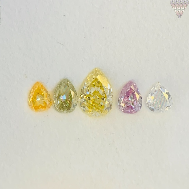 合計  0.83 ct 天然 カラー ダイヤモンド 5 ピース GIA  1 点 付 マルチスタイル / カラー FANCY DIAMOND 【DEF GIA MULTI】