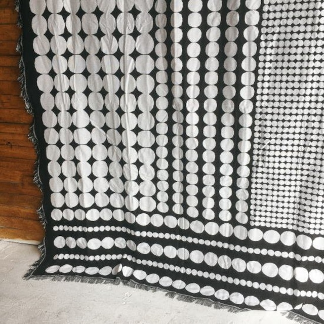 TOPANGA Homefurnishing ブラックホワイトスローケット Dot 180×230cm