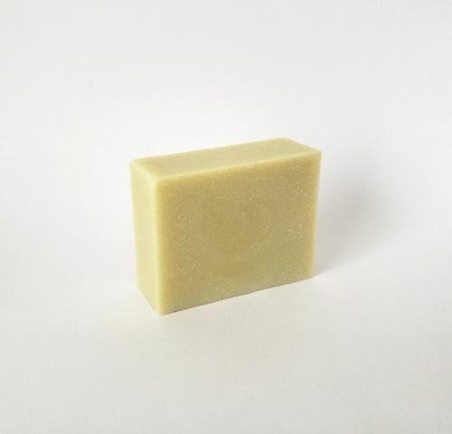 地味な見た目だけど、使い心地は最高な豆乳石けん 弾力があるもっちり泡洗顔で美肌に導きます