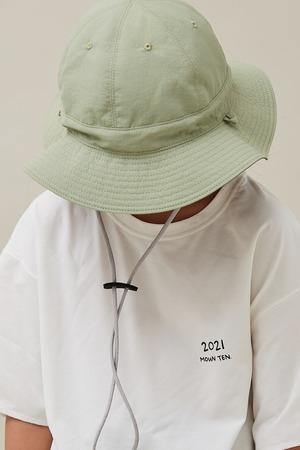 MOUNTEN. adventure hat