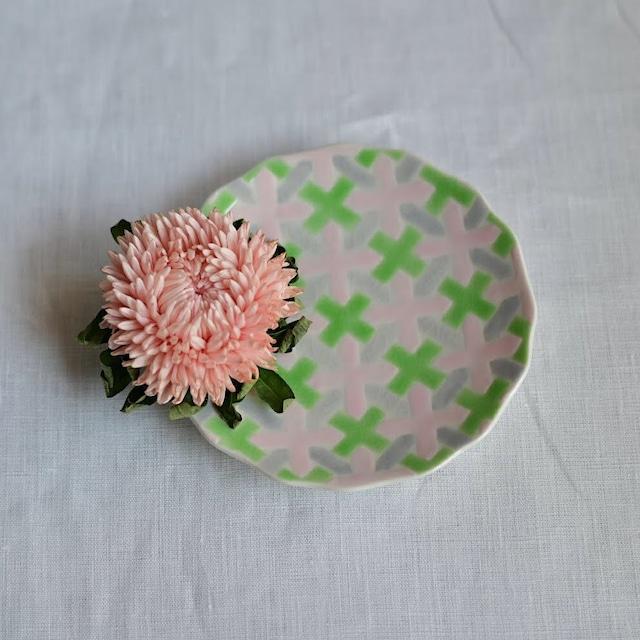 【九谷焼】4寸絵付け小皿「花かんむり」(PI/GR)