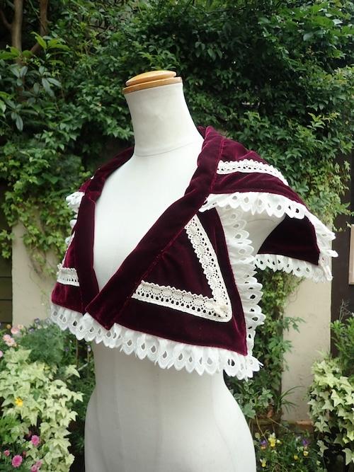 防炎式薔薇刺繍紋章入り付け襟風肩掛け バロックドレス用 時代衣装