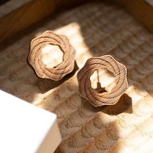 whirlpool / 渦潮(Pierced Little)