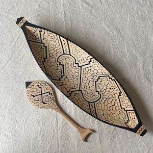 木彫りのカヌー6 全長31x9cm 先住民族の工芸 一刀彫り