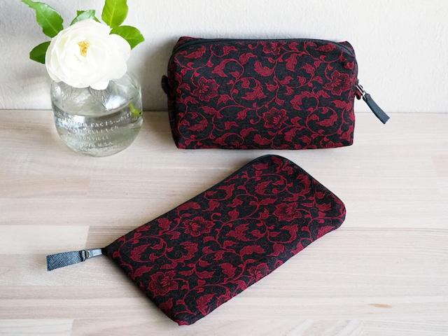 赤と黒の花唐草模様 キルトポーチとぺたんこ長財布のセット -昭和の道行コート地から