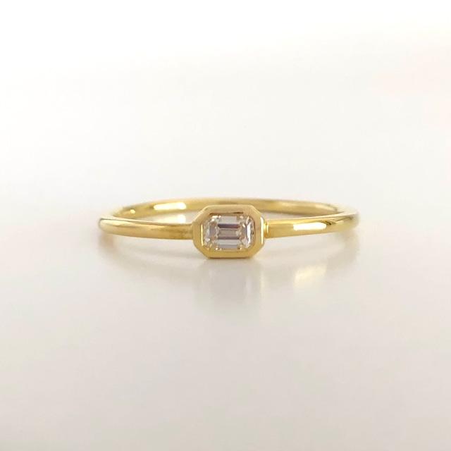 エメラルドカット ダイヤモンドリング 0.10ct Up プラチナ / K18イエローゴールド / K18ピンクゴールドチェカ 鑑定書付