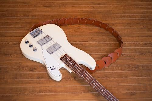 folklore / Amber 【ウロコのようなギターストラップ 】