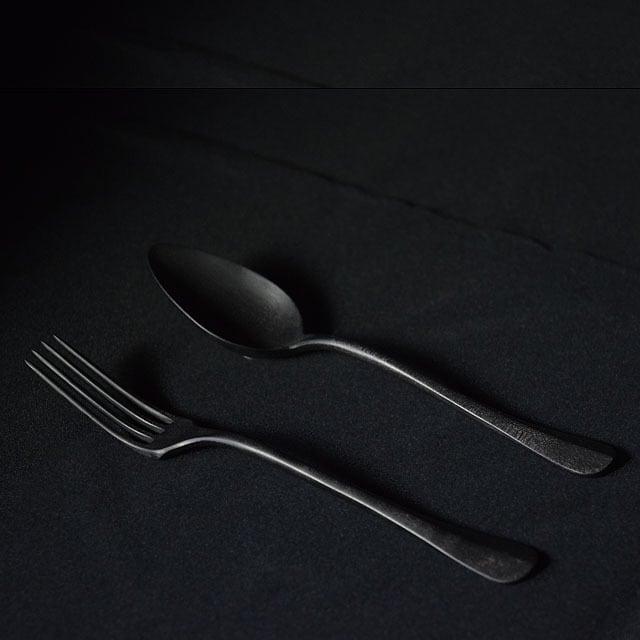 北山栄太 Eita Kitayama  メイプルカトラリーセット(スプーン・フォーク) マットブラック/ログウッド(草木染+鉄媒染)