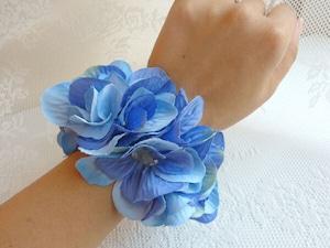 青いお花のリストブーケ(リストレット) / 腕飾り