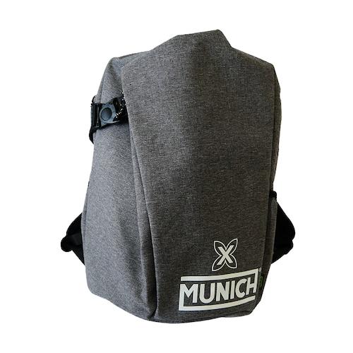 【MUNICH】 ムニック BACKPACK グレー×ホワイトロゴ