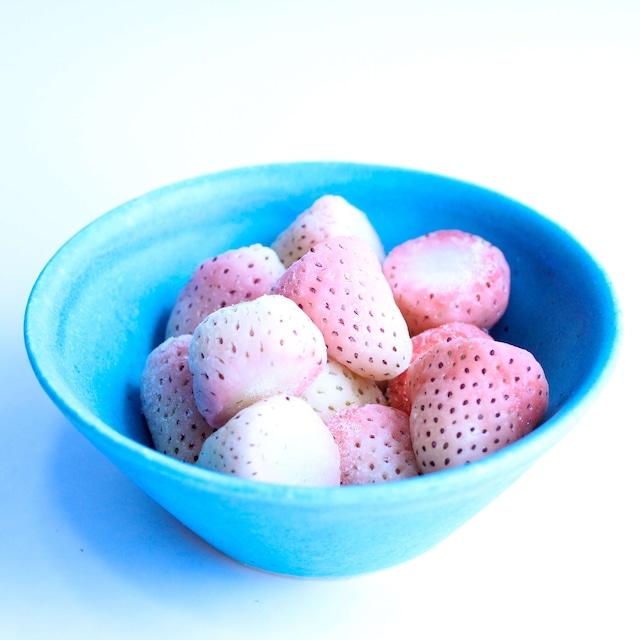 完熟冷凍苺【白いちご淡雪 1.0kg】化粧箱入 BERRY伊賀農園直送