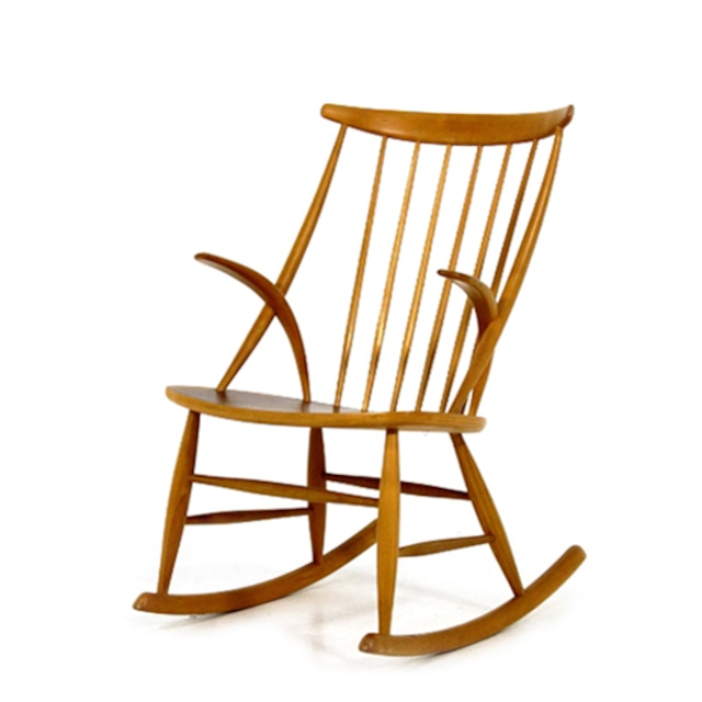 Rocking chair by Illum Wikkelsø  ** before repair **