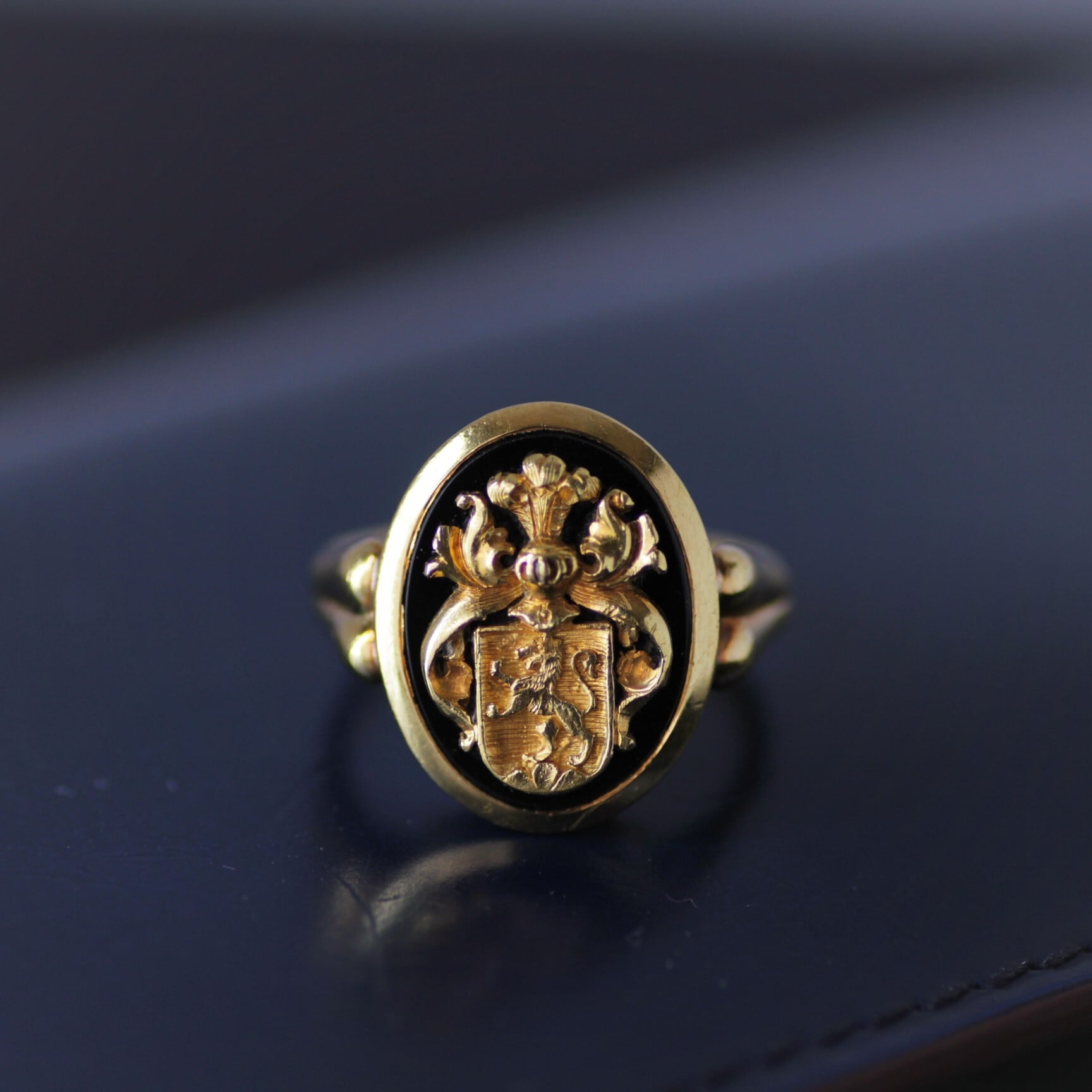 Gold Crest & Onyx Gold Ring   ゴールドクレスト & オニキス ゴールドリング