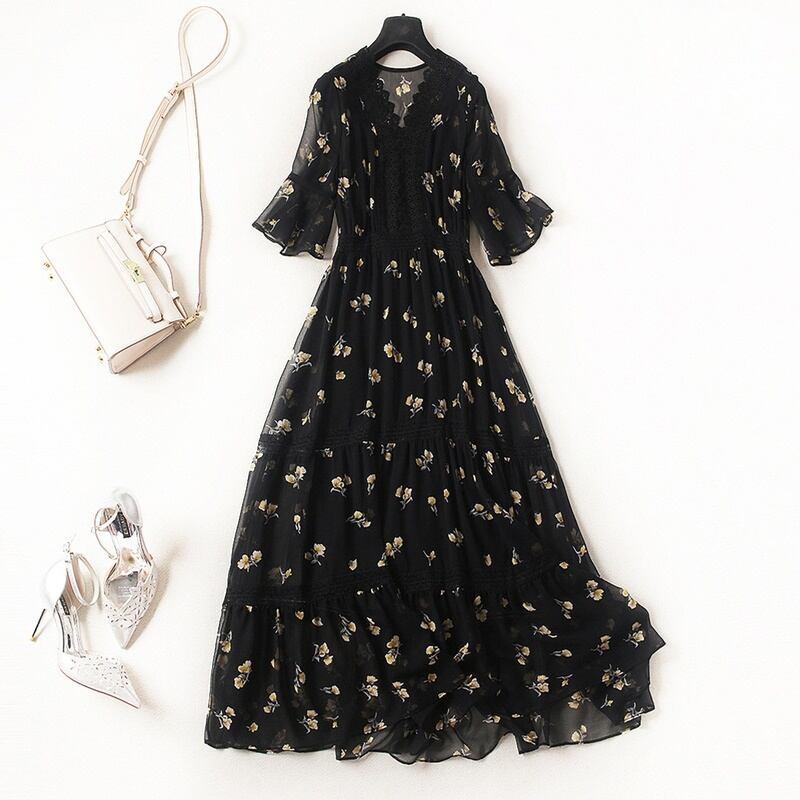 裾と袖のフリルがカワイイ♡Vネック花柄シフォンワンピース♪