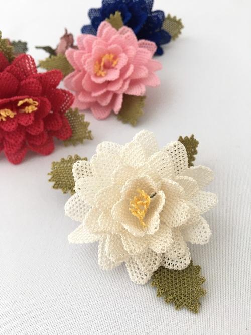イーネオヤ バラのブローチ ホワイト