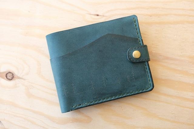 長雨のの緑の革の二つ折り財布 001
