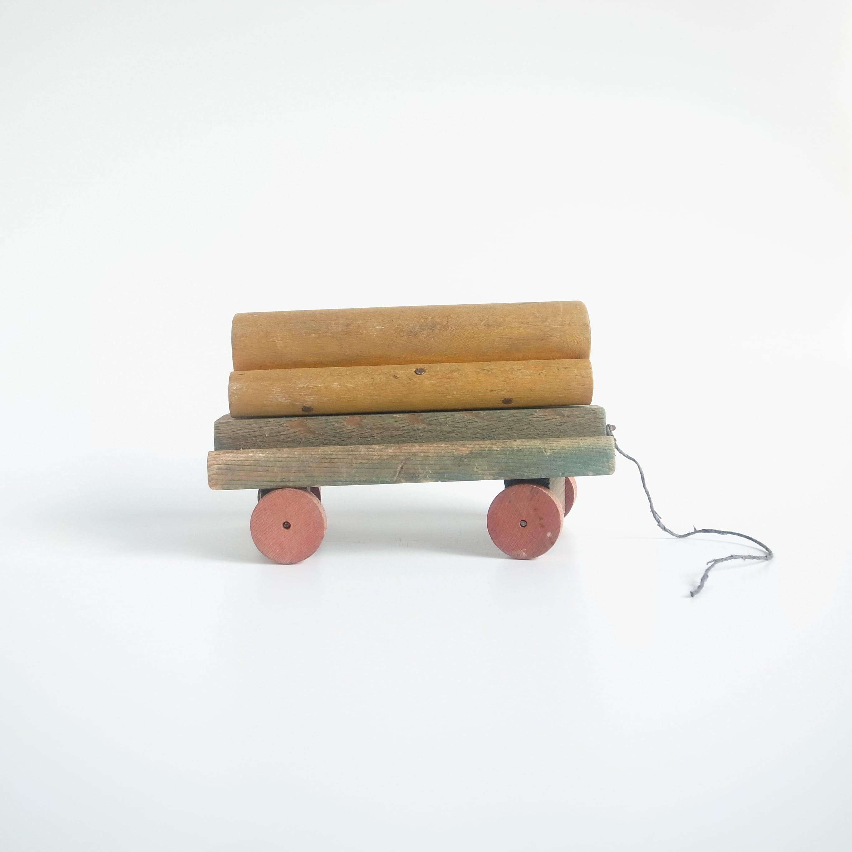 Wooden toy flatcar
