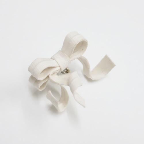 オーガニックコットン/変形リボン片耳用ピアスイヤリング/E-4_IV