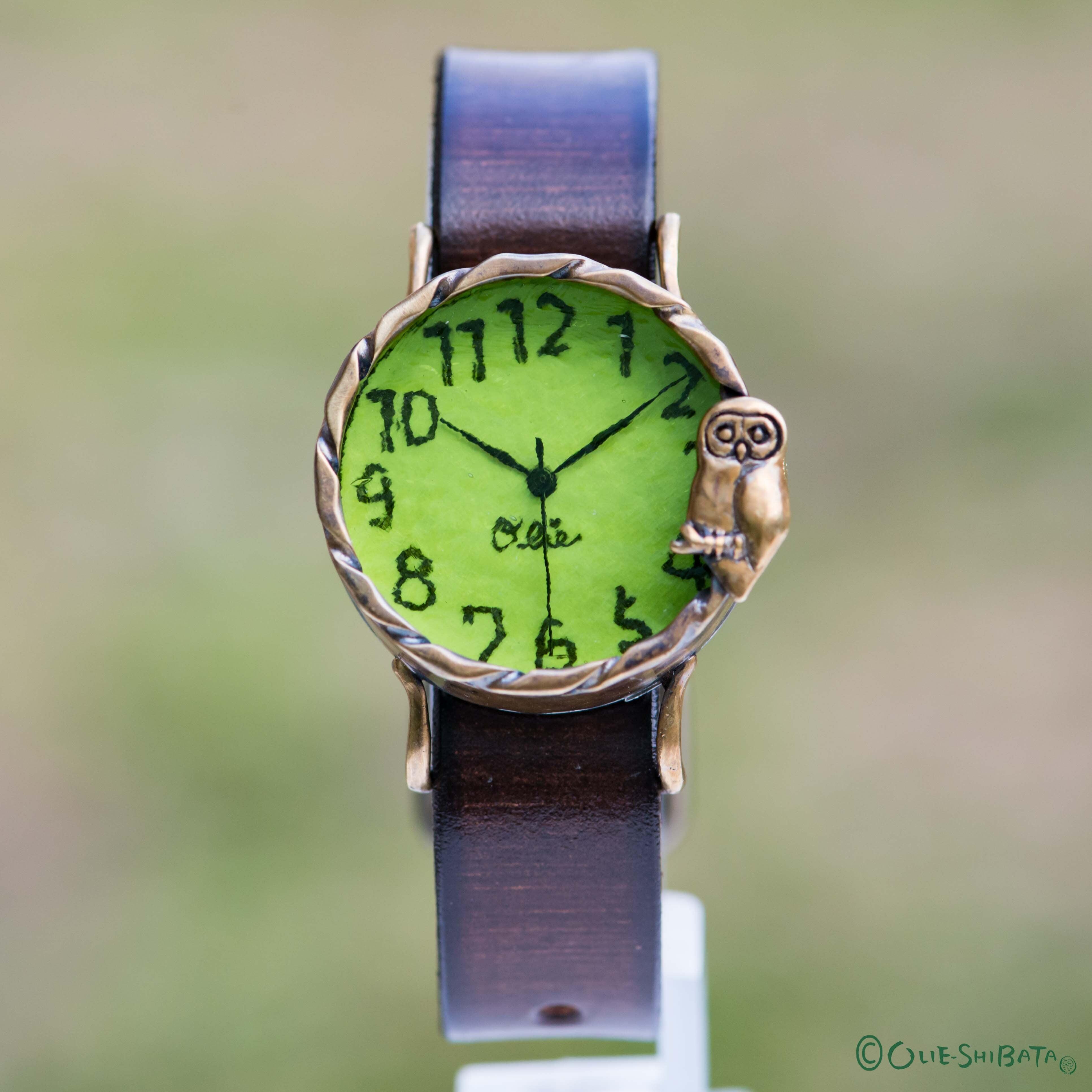 森のふくろう腕時計Mライム