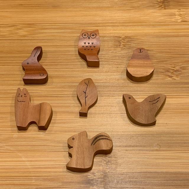 【サオの木】木のお箸置き