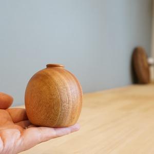 スズランのお花の形をモチーフにしたウッドベース。ウッドベース ミュゲ