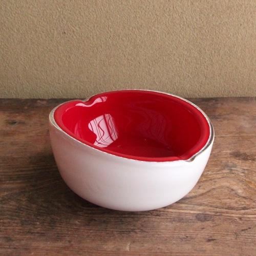 マルテイグラス 厚手ガラスの赤灰皿