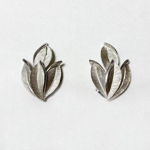 Vintage Trifari Silver Tone Leaves Design Earrings